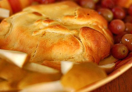 Baked brie and roasted apples