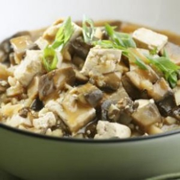 Brasied tofu and mushrooms