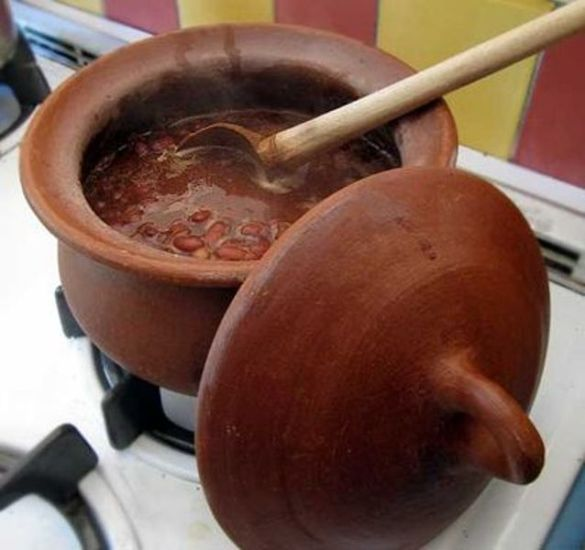 Clay Cooking Pot