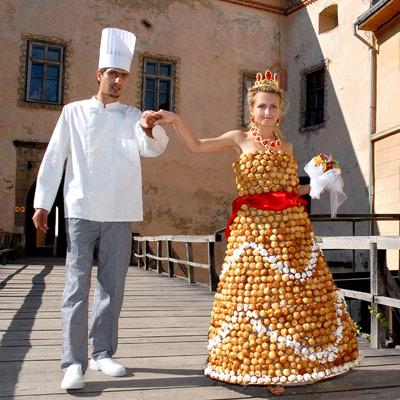 Cream puff wedding dress