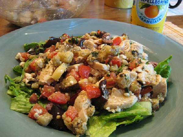 Delicious Chicken with Olives and Pinenuts recipe
