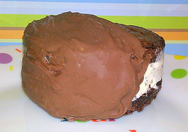 Deluxe chocolate ice cream sandwiches