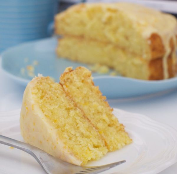 Orange macaroon cake
