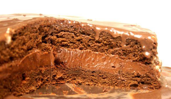 Semi liquid chocolate cake