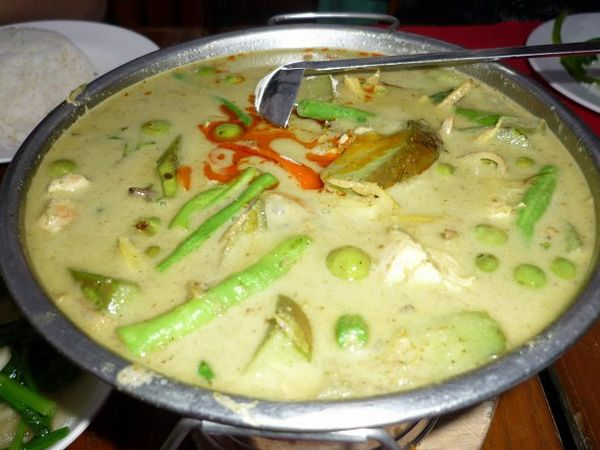 ... : Thailand's signature dish, the Thai Green Curry - Always Foodie