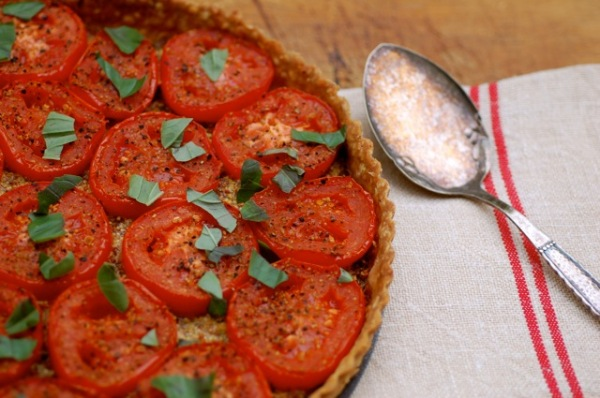 Tomato tartlet: A quick snack for your party