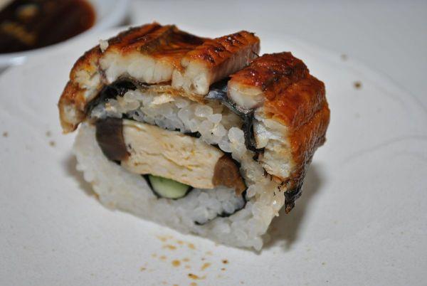 Eel_sushi
