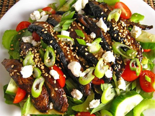 Teriyaki Protabella Mushroom Salad 500