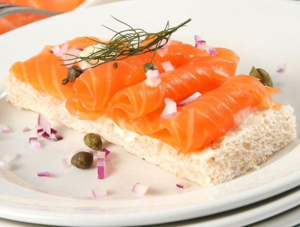 Smoked-salmon-d-sliced-01_3