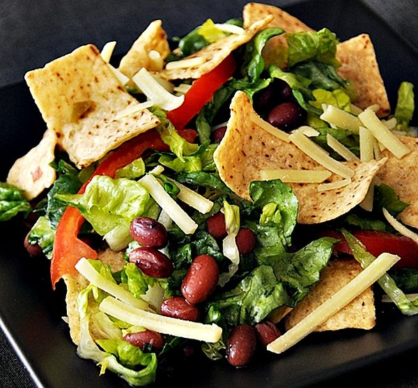 Salad mixed with Chips