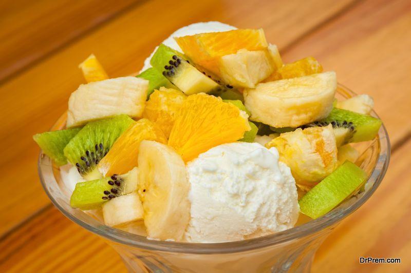 Fresh fruit salad with ice cream