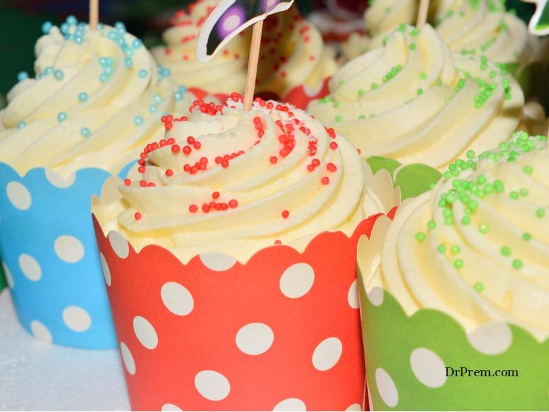 Bite-sized vanilla cupcakes