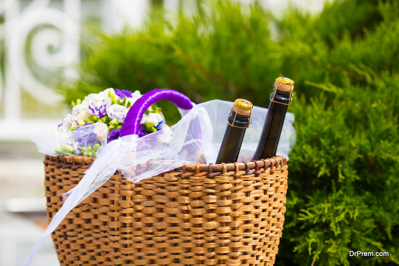 Creative wine gift baskets