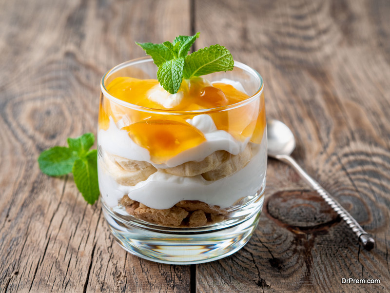 Mango cheesecake trifle