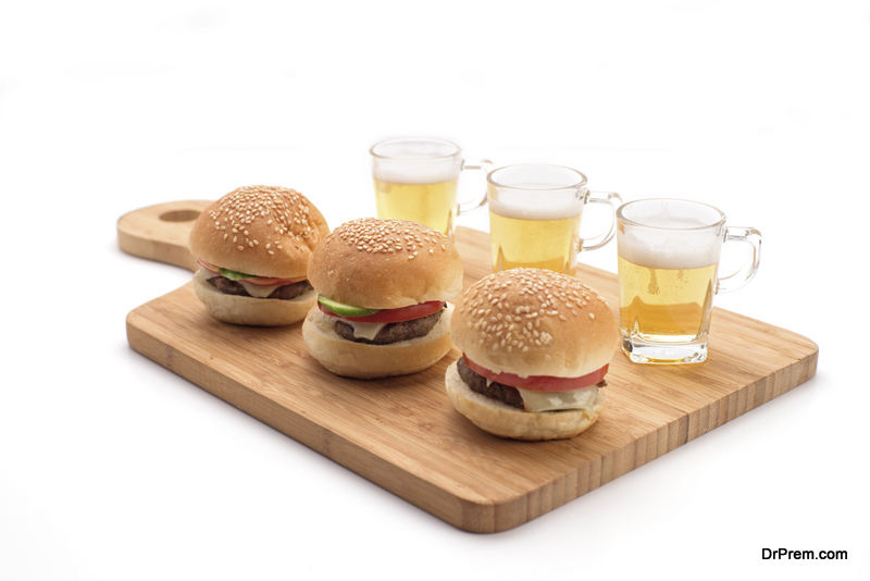 Mini-sliders-and-mini-beer