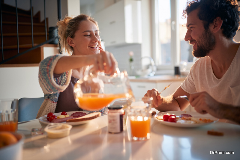 couple taking breakfast together